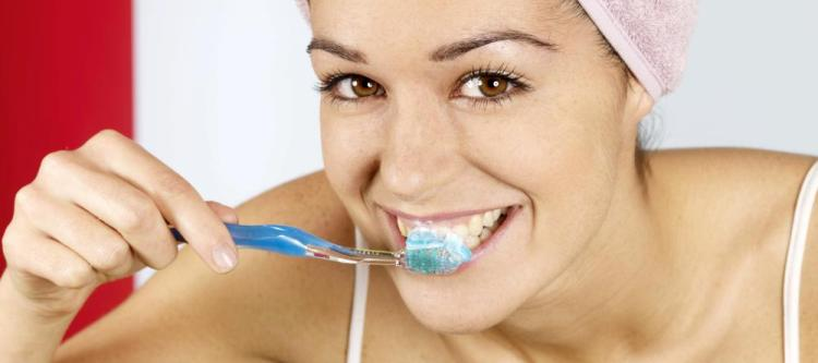 как правильно чистить зубы обучающее видео
