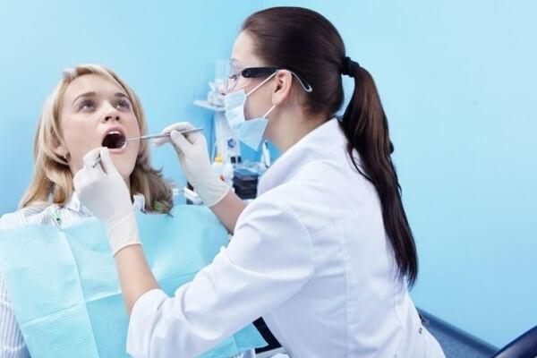 какой врач лечит стоматит у взрослых