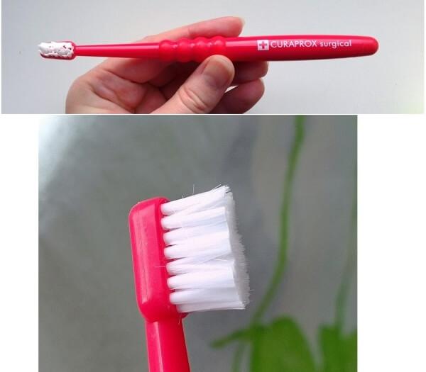 хирургическая зубная щетка curaprox