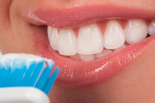 чистка зубов мягкой щеткой приводит к образованию камня