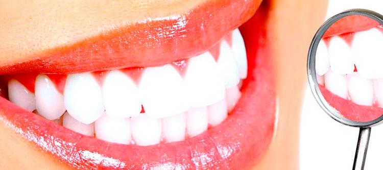 чем можно качественно и без вреда отбелить зубы в домашних условиях