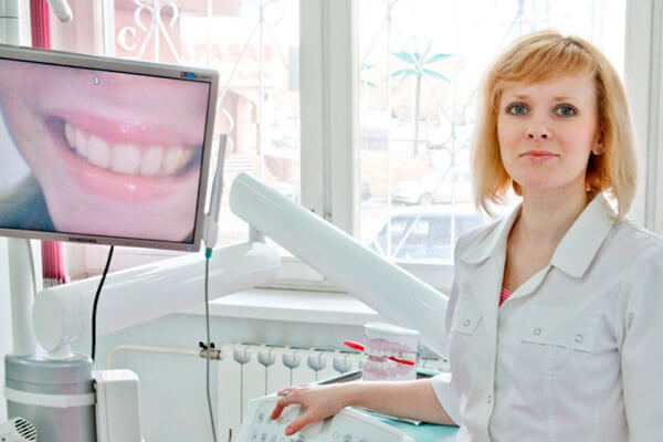 ортодонт не лечит зубы