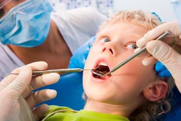 цена лечения молочных зубов
