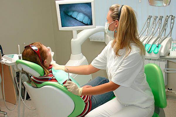 что делать если откололся кусочек керамического зуба