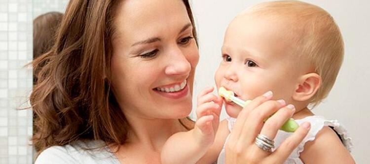 из-за чего образовался сильный черный налет на зубах у ребенка