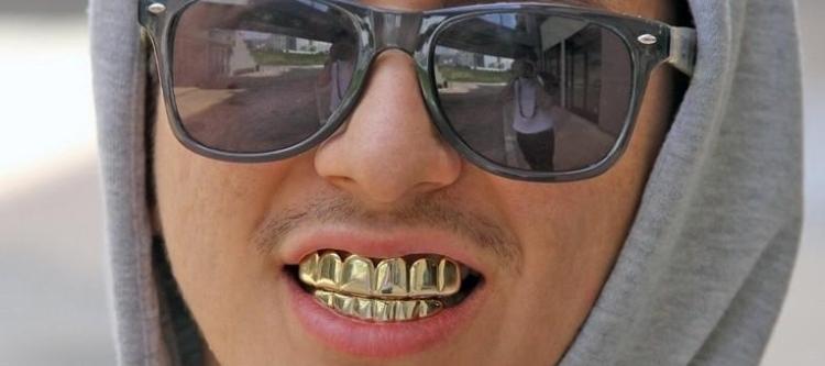 сколько стоят грилзы на зубы