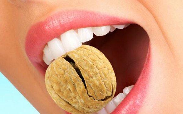 Какие причины могут спровоцировать разрушение зубов