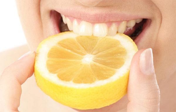 Отбеливание зубов лимоном с перекисью водорода