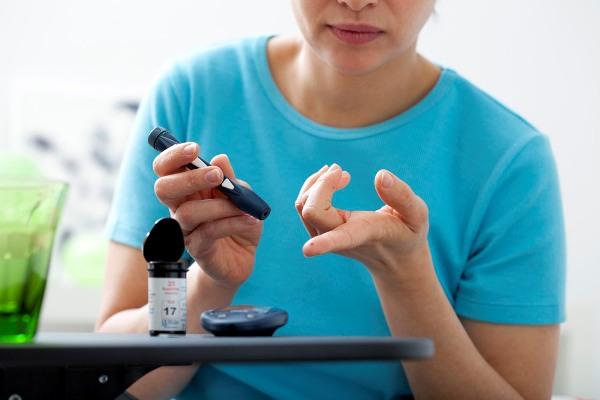 Требования к оборудованию и материалам для имплантации зубов при сахарном диабете