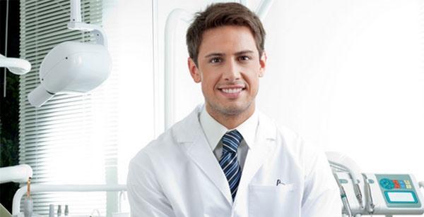 Стоматолог-ортодонт – консультация и предлагаемые виды конструкций