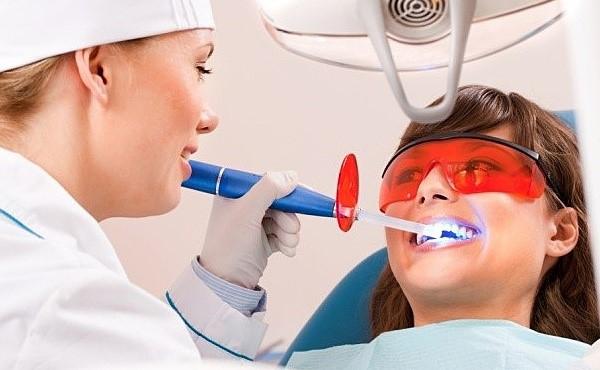 Вредно ли отбеливание зубов в стоматологии