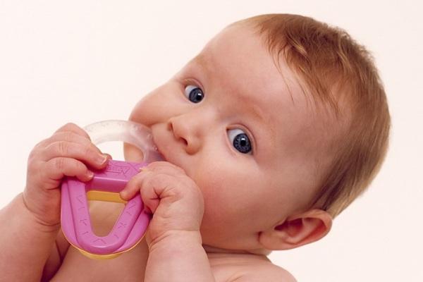 Причины развития патологий в период формирования молочного прикуса