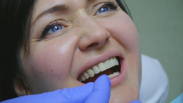 Методы снятия коронки с зуба