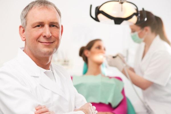 Как и по каким критериям выбирать стоматолога