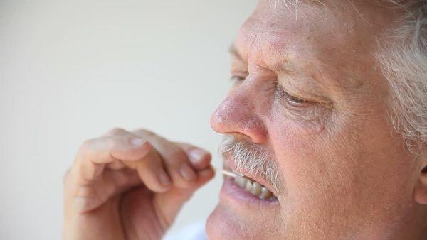 Вредны ли зубочистки