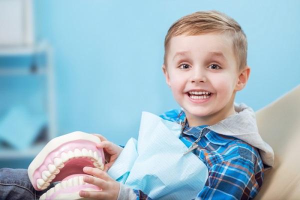 Как выровнять все зубы в домашних условиях