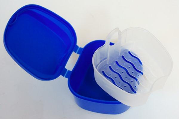 Критерии выбора контейнеров для зубных протезов