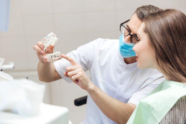 Признаки повреждения нерва при имплантации зуба