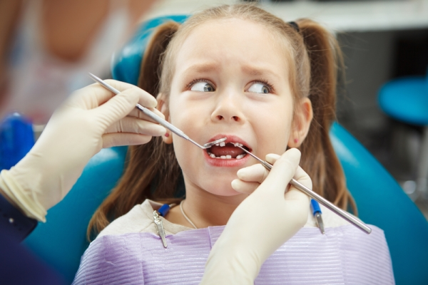С какого возраста проводится имплантация зубов детям