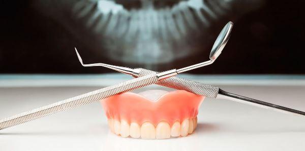 Аллергия на пластмассовые зубные протезы симптомы