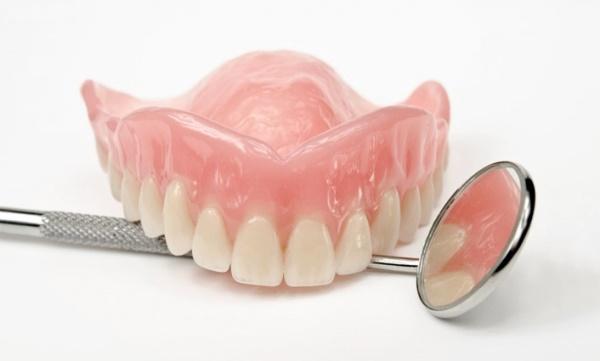 Протезирование после удаления зубов через какое время